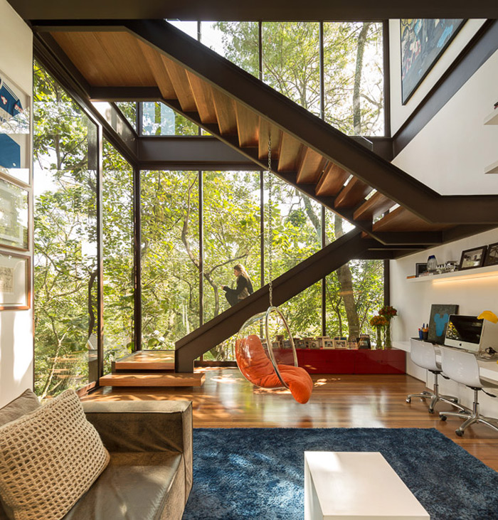 brazil-house-brings-indoors-out-with-glass-wall-design-15