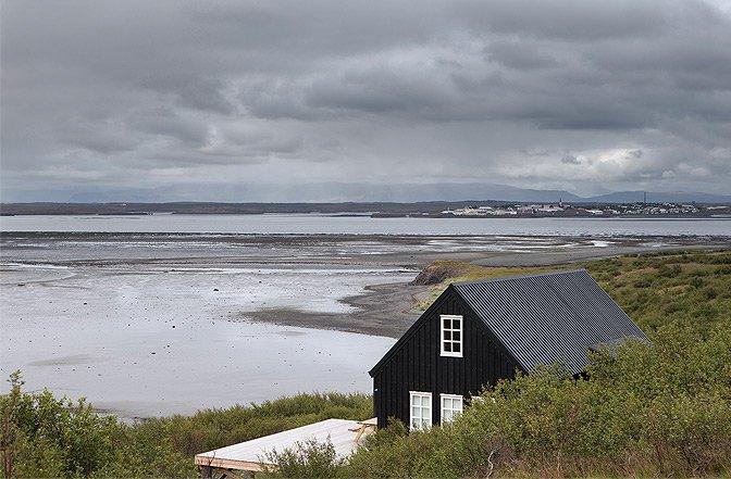 modern_vacation_rentals_borgarnes_iceland_005