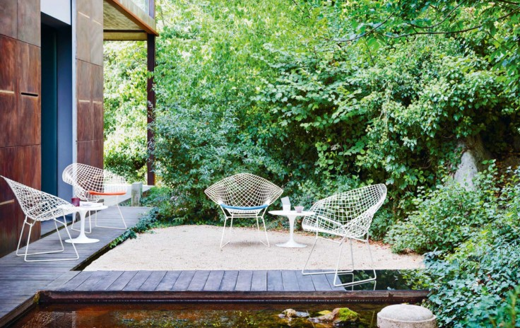 knoll_harry_bertoia_diamond_armchair_outdoor_white