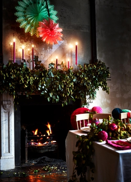 christmas-dining-table-fireplace-redonline__portrait