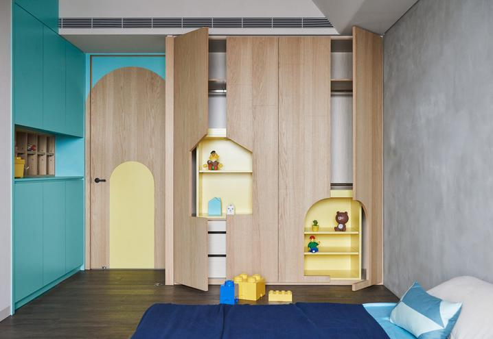 colored-walls-apartment-taiwan-hao-design-open-furniture_oggetto_editoriale_h495