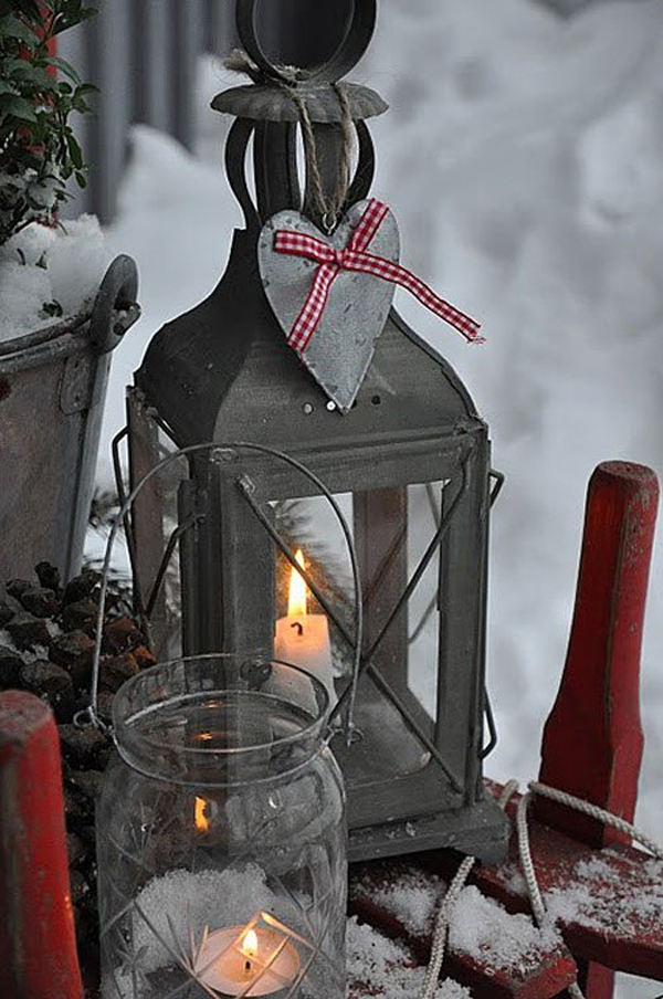 scandinavian-christmas-outdoor-lighting