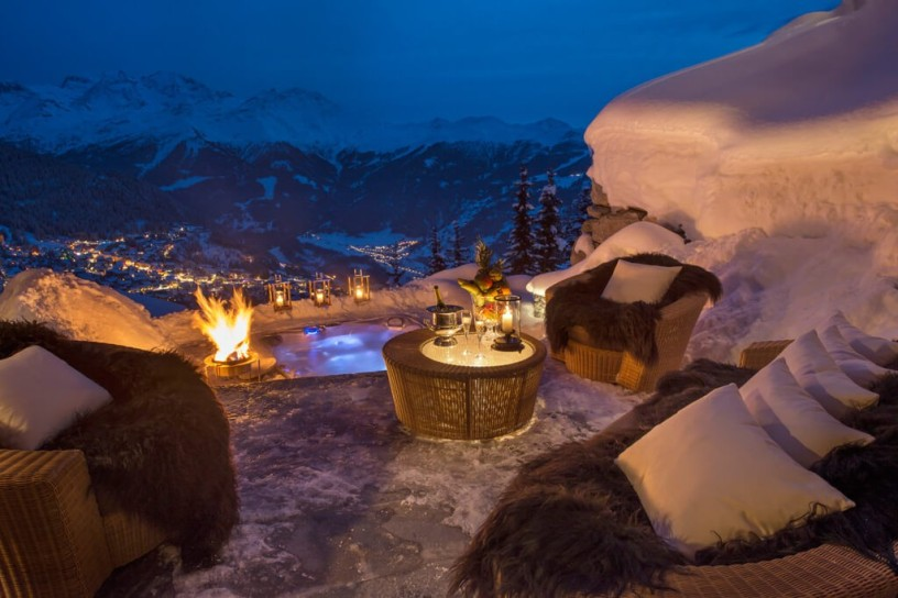 these-20-cozy-winter-retreats-are-perfect-for-a-luxurious-trip-in-the-mountains-15-1024x683