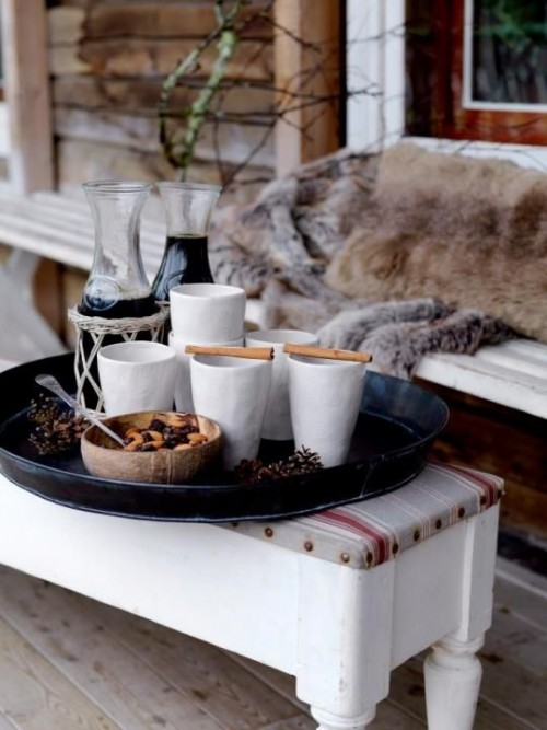 beautiful-and-cozy-winter-terrace-decor-ideas-to-try-5-500x667