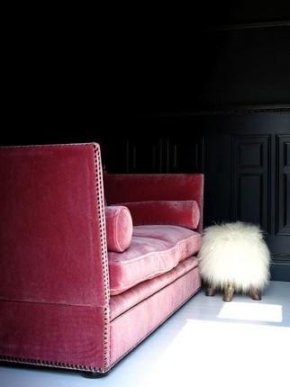 20-velvet-sofas-for-modern-living-rooms-13