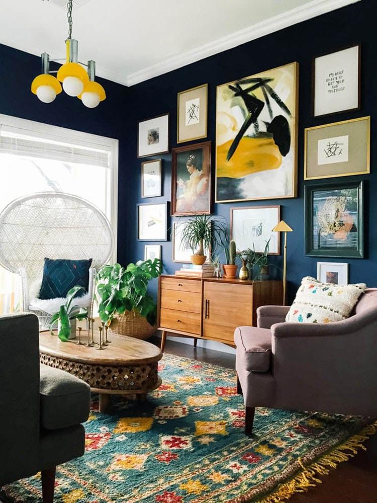 design-obsession-dark-walls-lesley-myrick-dark-living-room