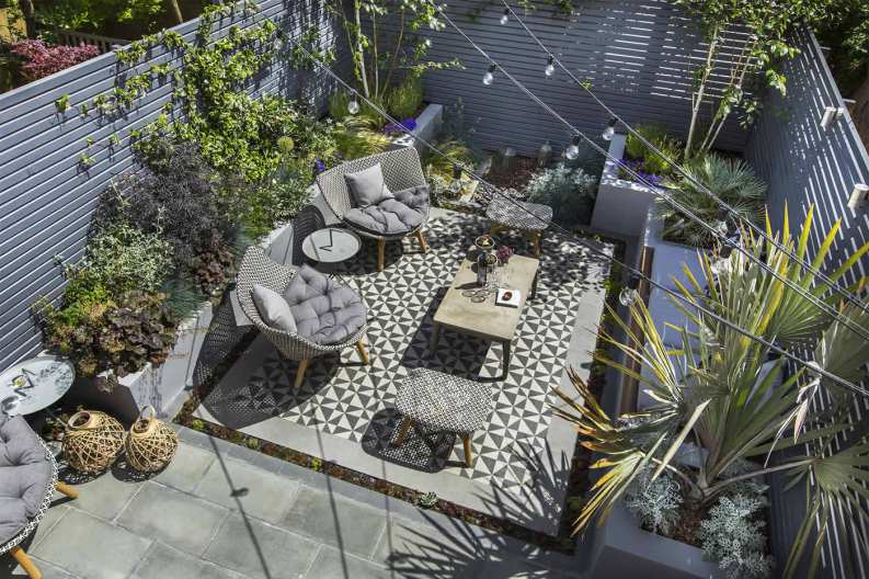 private-small-garden-design08