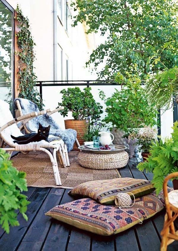 Fabulous-Spring-Balcony-Decor-Ideas-09-1-Kindesign