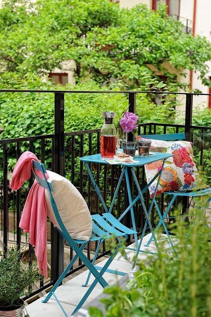Fabulous-Spring-Balcony-Decor-Ideas-10-1-Kindesign