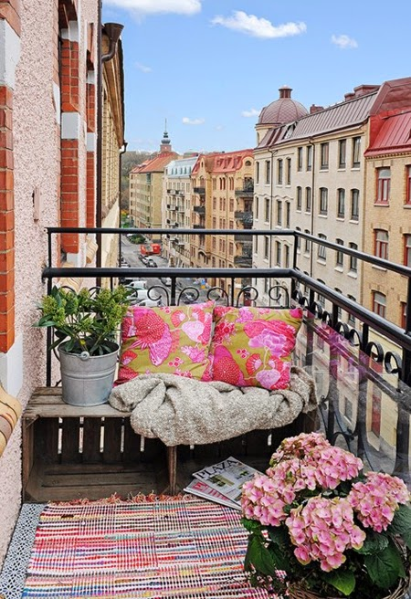 house-and-home-citybalconies-02