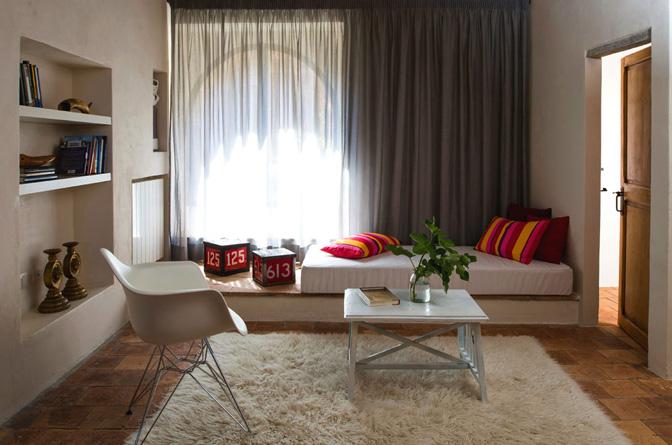 modern_vacation_rentals_civita_di_bagnoregio_italy_0011
