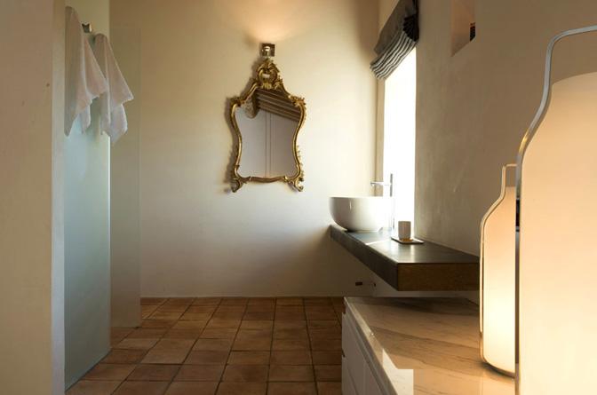 modern_vacation_rentals_civita_di_bagnoregio_italy_010