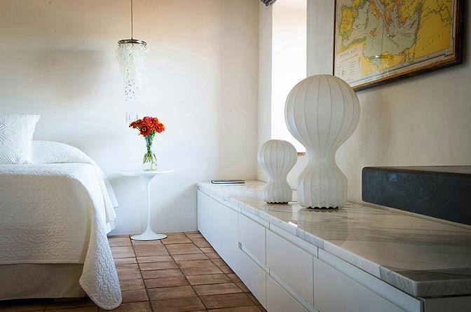 modern_vacation_rentals_civita_di_bagnoregio_italy_016