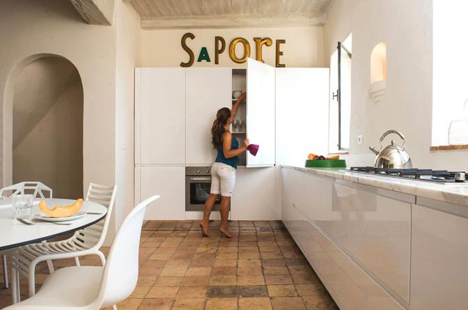 modern_vacation_rentals_civita_di_bagnoregio_italy_021