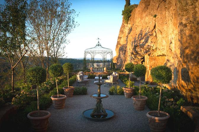 modern_vacation_rentals_civita_di_bagnoregio_italy_026