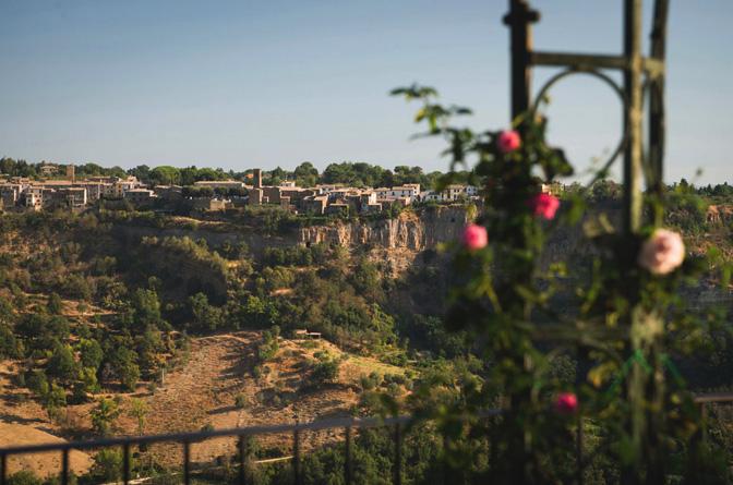 modern_vacation_rentals_civita_di_bagnoregio_italy_031