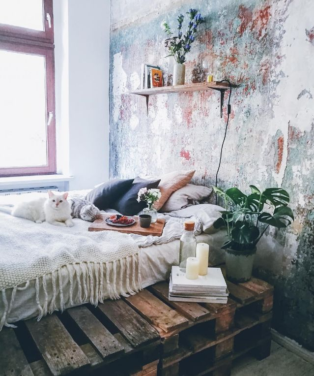 Boho-bedroom-rustic-wood