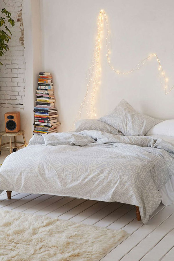 Boho-bedroom-twinkle-lights