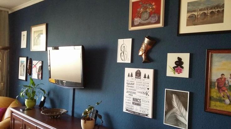 Mariannék kék fala1