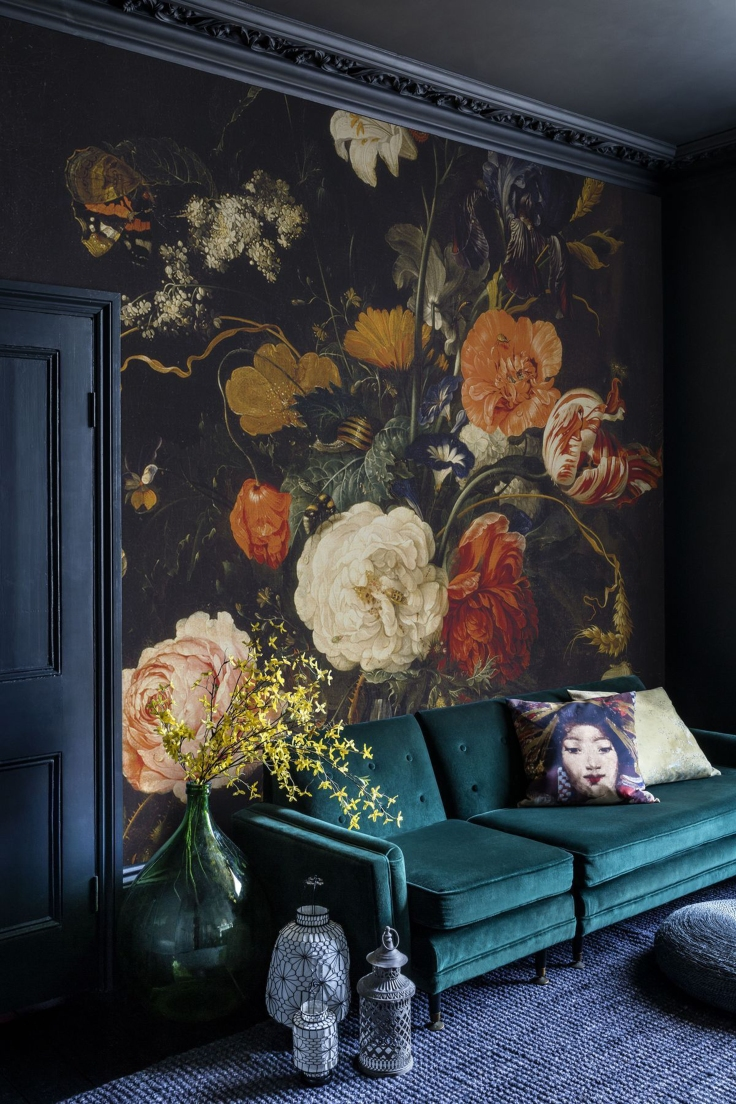 Emily-Henderson_Modern-Victorian_Trend_Wall-Treatments_Large-Scale-Floral_Wallpaper_Inspo-Pic_3