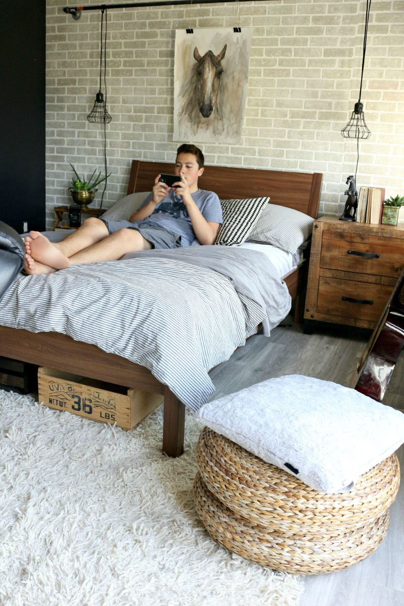 18-Brilliant-Teenage-Boys-Room-Designs-Defined-by-Authenticity-homesthetics-12