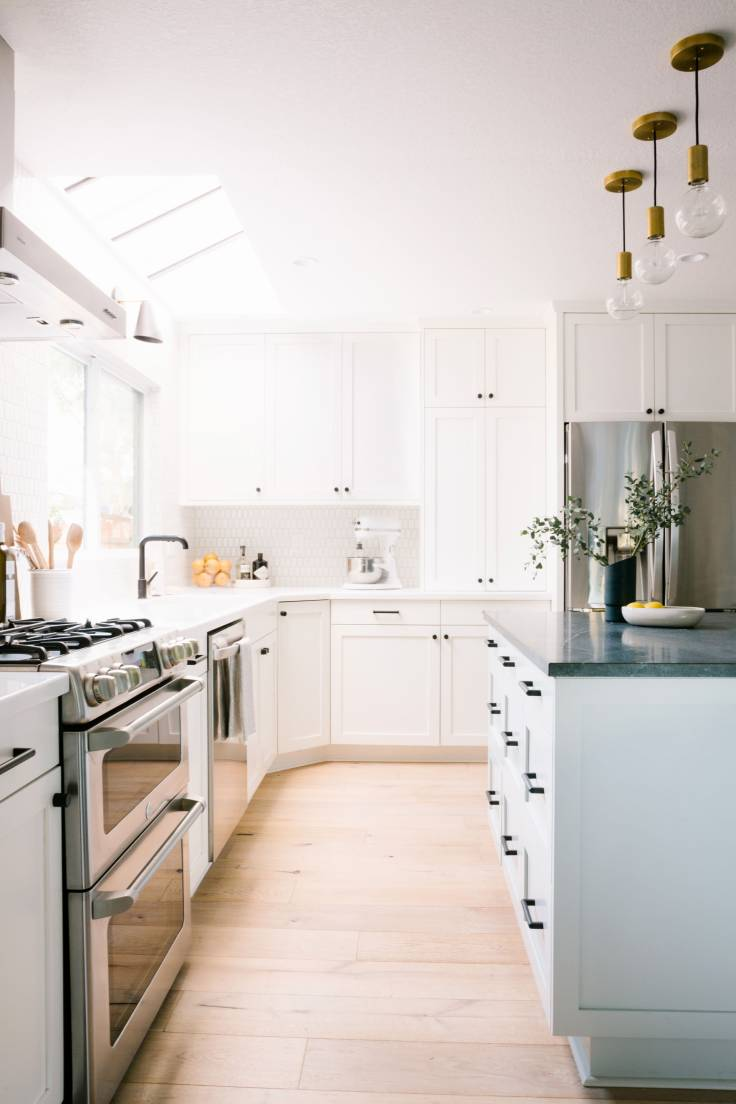 Samantha-Gluck-Emily-Henderson-Bright-Traditional-Kitchen1