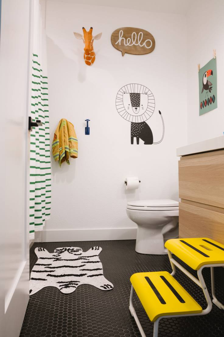 Samantha-Gluck-Emily-Henderson-Kids-Bathroom1