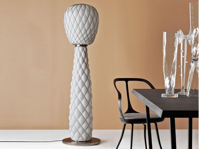 PINECONE-Floor-lamp-FontanaArte_PaolaNavone