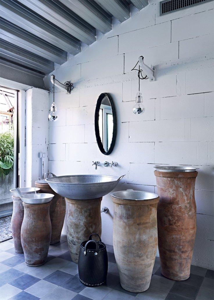 salle_de_bain_avec_lavabos_exotiques_paola_navonejpg