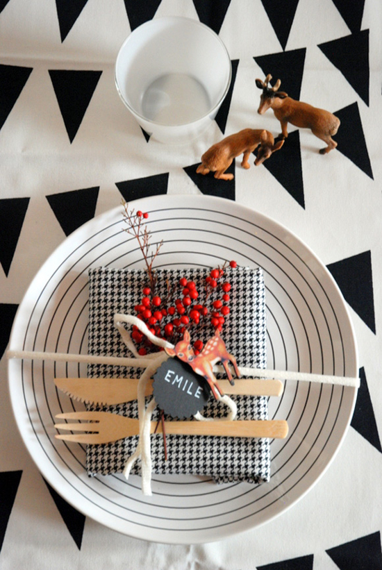 Reindeer-Themed-Dining-Setting