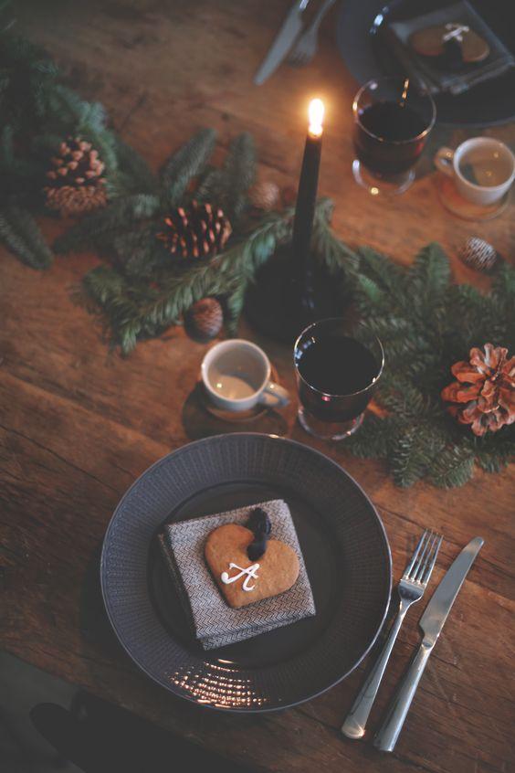 Rustic-Christmas-Table-Setting