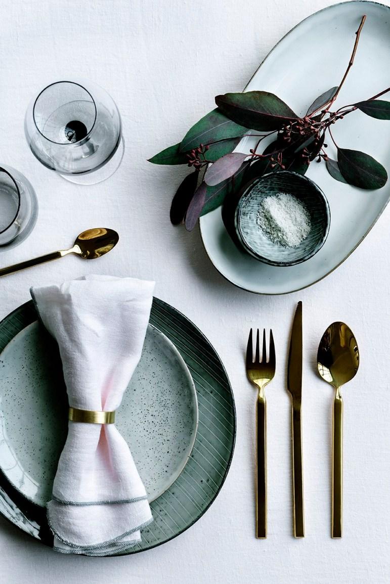Scandinavian-Christmas-Tablescape